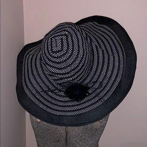 Jessica Simpson black n white Derby hat gorgeous!